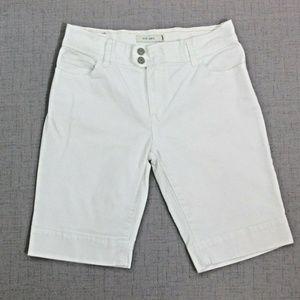 Levi's 515 White Bermuda Walking Shorts